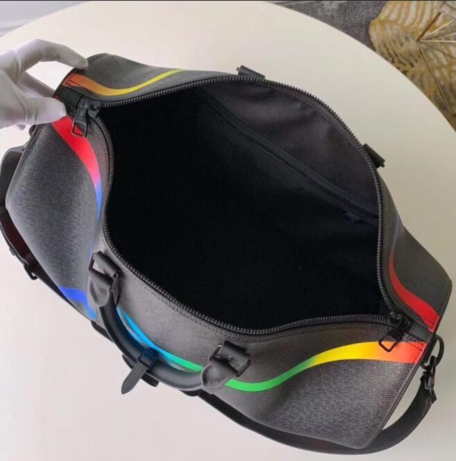 New Bag Taiga Calidad Calidad Mens Mens Bolsa Estilo de diseñador Hombres Cuero Mantenido Totes Top Rainbow BANDOULIERE DUFFLE DUFFLE BOLSO DE 50 CM VIAJE MXAPL