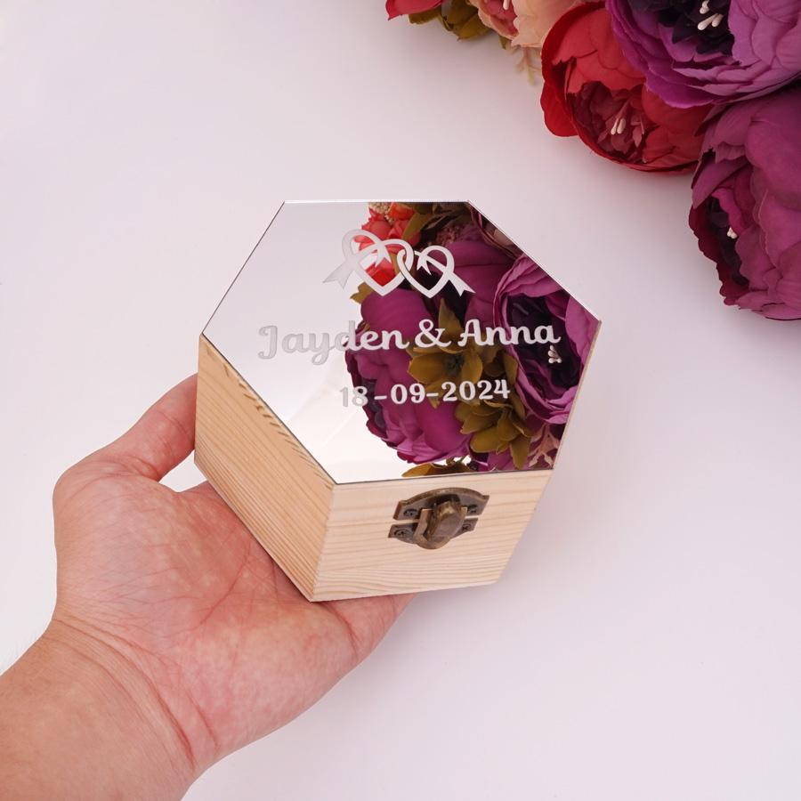Ucuz Hediye Çanta Paketleme Malzemeleri Altıgen şekil Akrilik Ayna Kapağı Kutusu ile Kalpler Özel Ad tarihi Partisi Hediye Ahşap Kutular Düğün