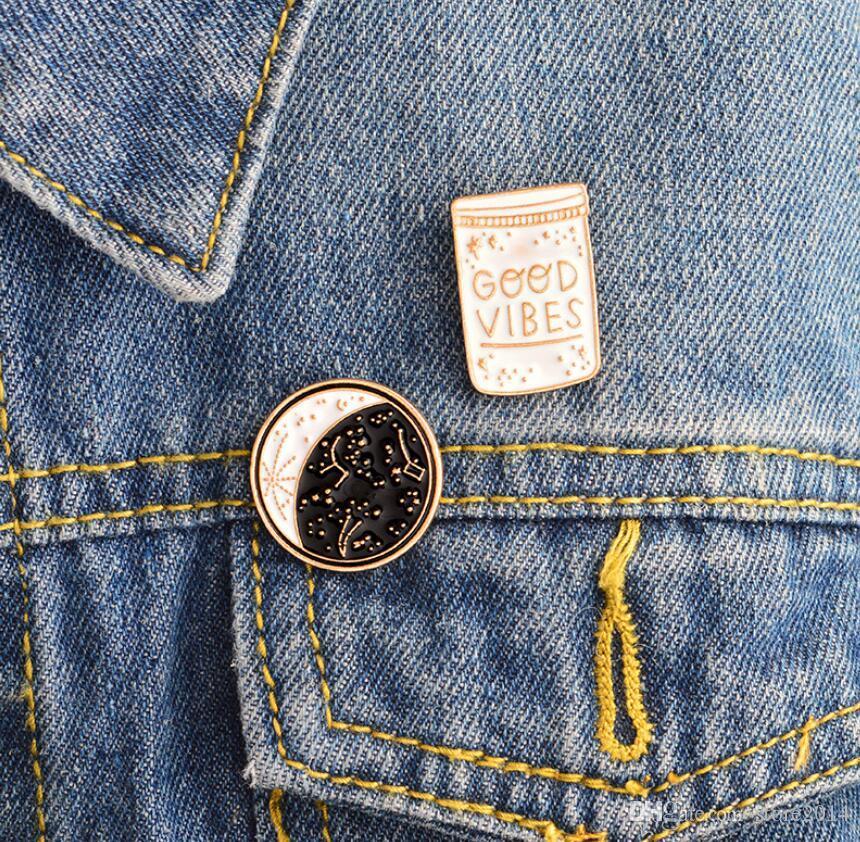 Pulsante Good Vibes Spillette Constellation giorno e notte Luna Spilla Pins Giacca di jeans cappotto collare Pin Badge monili del regalo