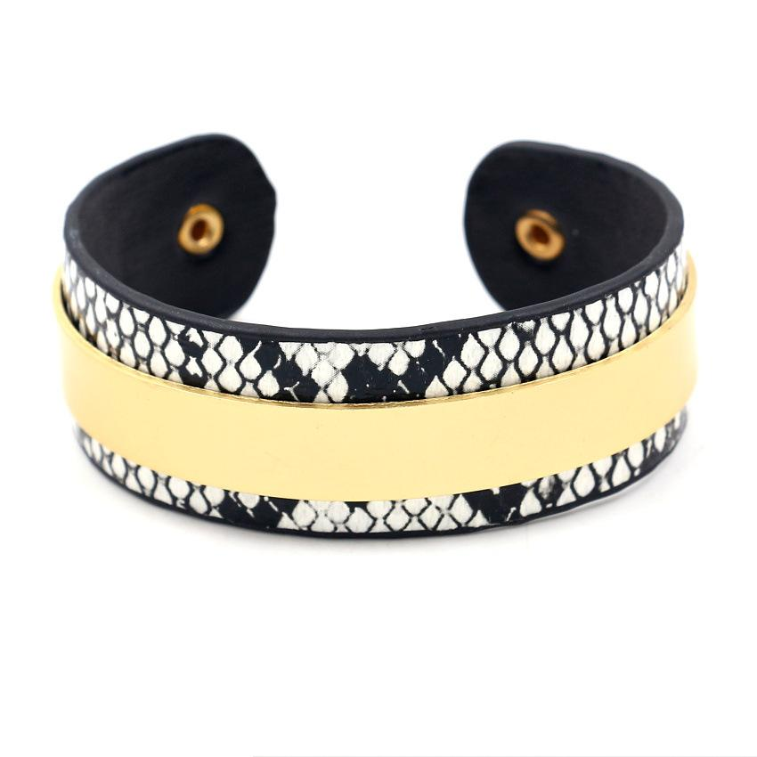 2019 New Hot Round Circle Fashion Leopard Print Wide Snake Leather Bracelets Women Vintage Bangle Female Wedding Jewelry