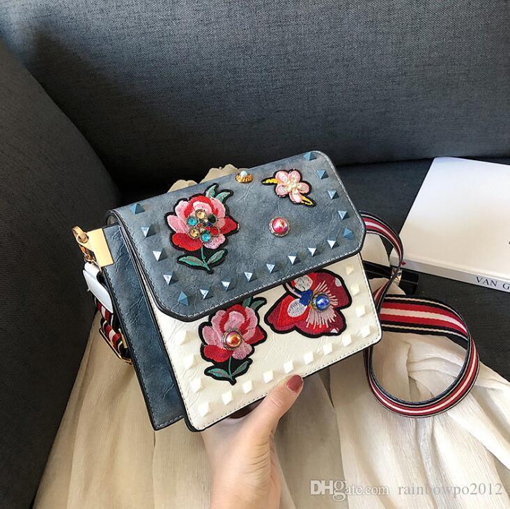 Factory wholesale brand women handbags Korean rivet women Messenger bag retro flower embroidered Messenger bag color fashion diamond bag