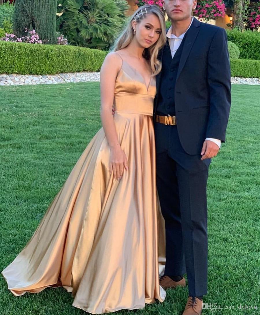 2019 Sexy Satin Gold A Line Vestidos de baile Vestidos largos de noche Vestidos largos Vestido formal de fiesta de gala