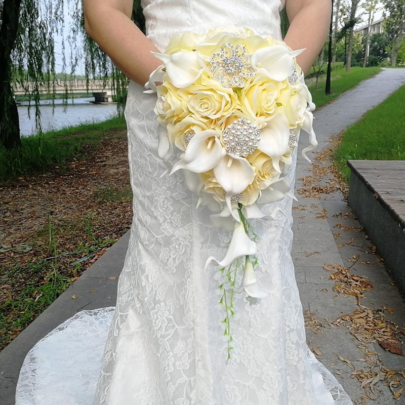 Waterfall Wedding Flowers Yellow rose Calla Lilies Bridal Bouquets Artificial Pearls Crystal Wedding Bouquets Bouquet De Mariage Rose