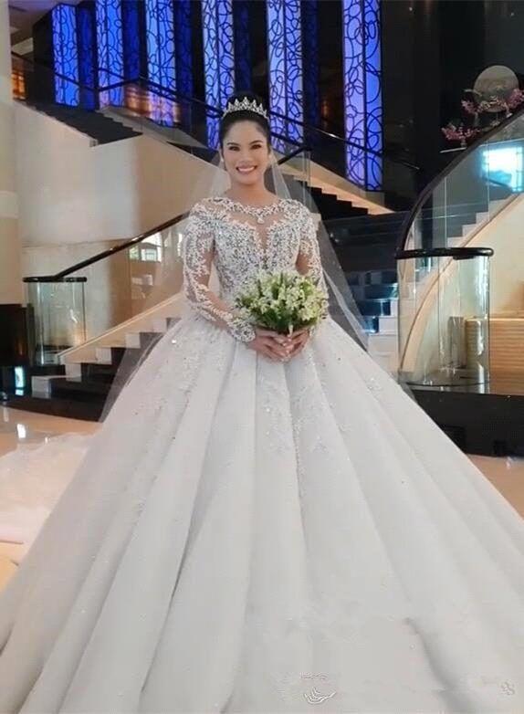 Appliiqued vestidos de encaje de lujo de cristal con cuentas de manga larga de la bola del vestido de boda de la vendimia Arabia árabe Dubai del vestido nupcial del tamaño extra grande