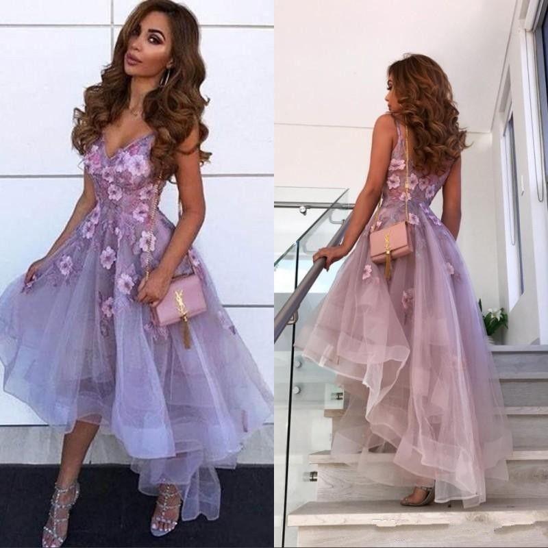 2020 neue Ankunfts-Kurz Lavendel Ballkleider mit V-Ausschnitt Spitze 3D-Applikationen Ärmel High Low-Längen-Abend-Kleid-Cocktailparty-Kleid