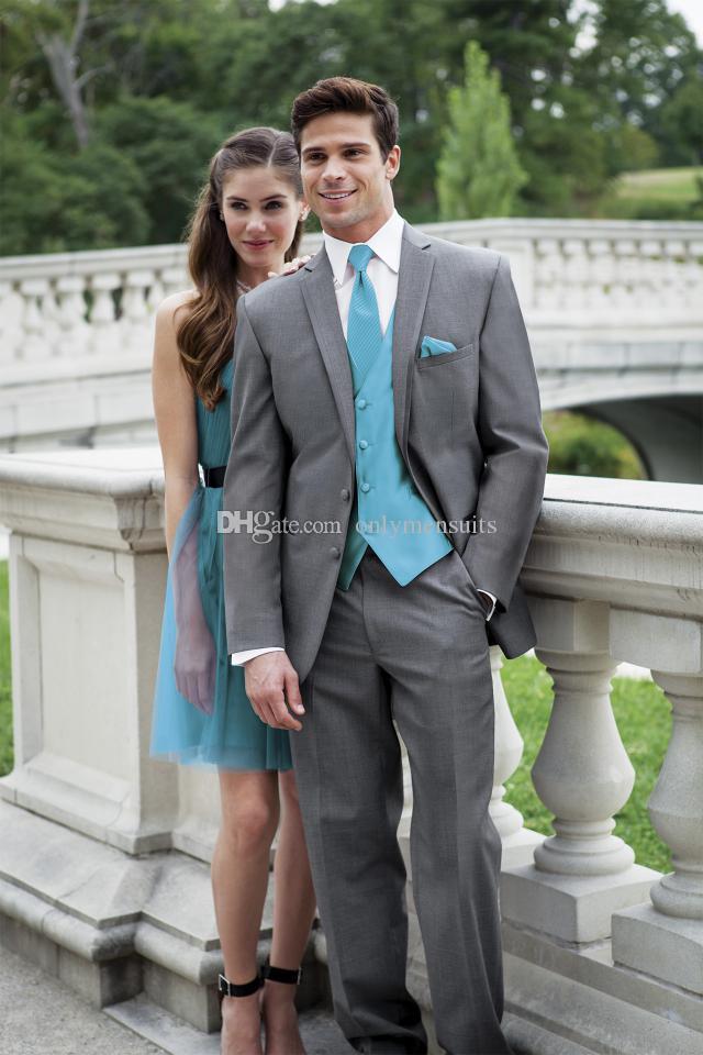 Nueva llegada Trajes padrinos de boda muesca solapa esmoquin novio Gris oscuro hombres Wedding / baile mejor hombre Blazer (Jacket + Vest + Pants + Tie) O466