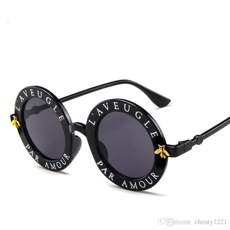 İngilizce Harfler Küçük Arı Yuvarlak Güneş Erkekler Bayanlar Marka Gözlük 5981 Tasarımcı Moda Erkek Kadın ücretsiz kargo