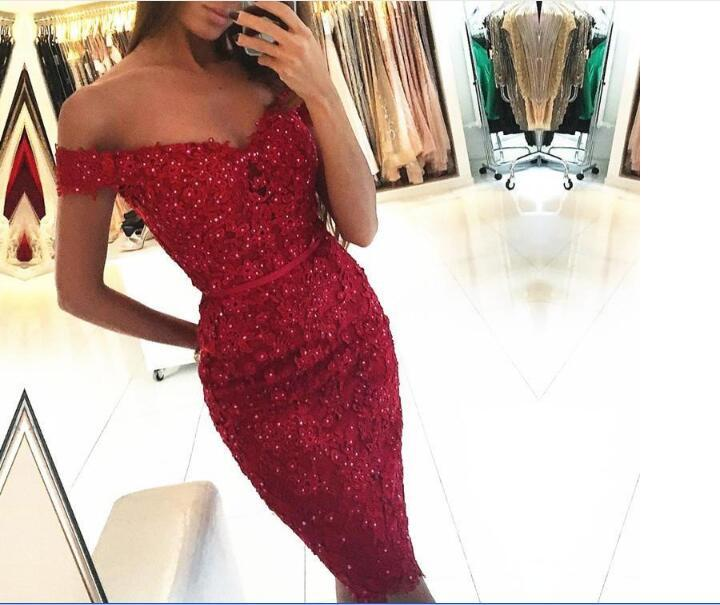 Cheap Sexy Cocktail Dresses Off Shoulder Dark Red Burgundy Lace Appliques Beaded Sheath Short Mini Party Graduation Homecoming Gowns