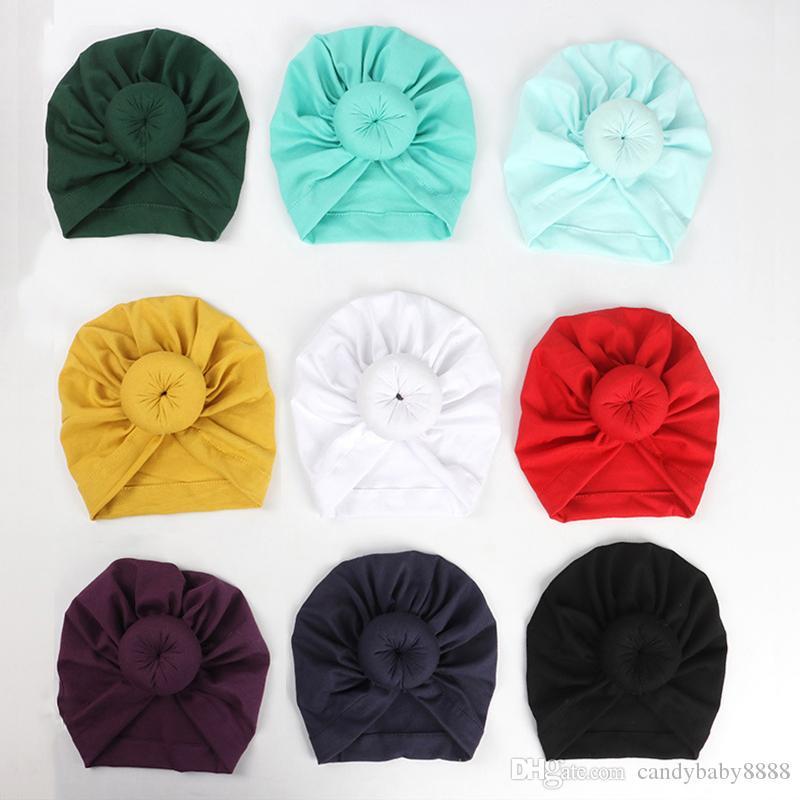 12 renk Sevimli Bebek Yürüyor Unisex Topu Knot Hint Turban Çocuk İlkbahar Sonbahar Bebek Donut Şapka Katı Renk Pamuk Hairband C39 Caps