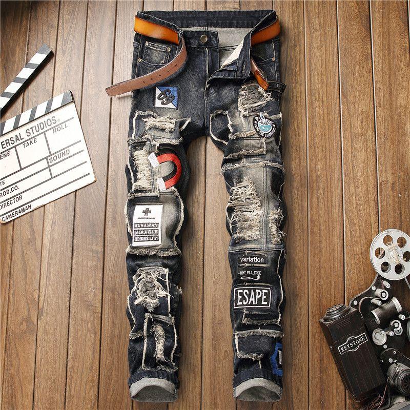 83deb76d6 Afligido Dos Homens Rasgado Slim Fit Emblema Calça Jeans Designer de Moda  Trecho Bordado Skinny Retro ...