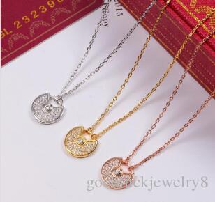 Nuevo collar de acero inoxidable sencilla del amor del color oro y diamantes de imitación colgante de doble collar corto de la joyería de las mujeres