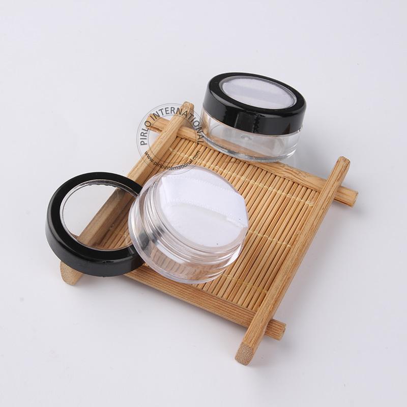 Новое прибытие 100шт/много 5G пустые пластиковые порошок jar с сито + мягкий пуф, многоразовые косметические упаковывая для женщин