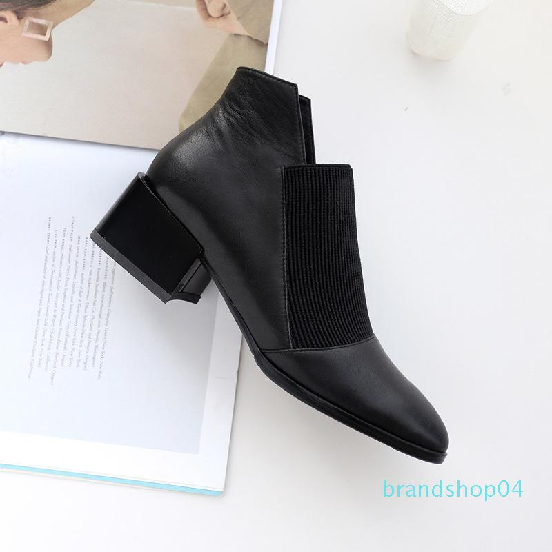Selling woman Booties 2019 hot sale Crude mid heel boots Pointed Shoes Asian size 34-40