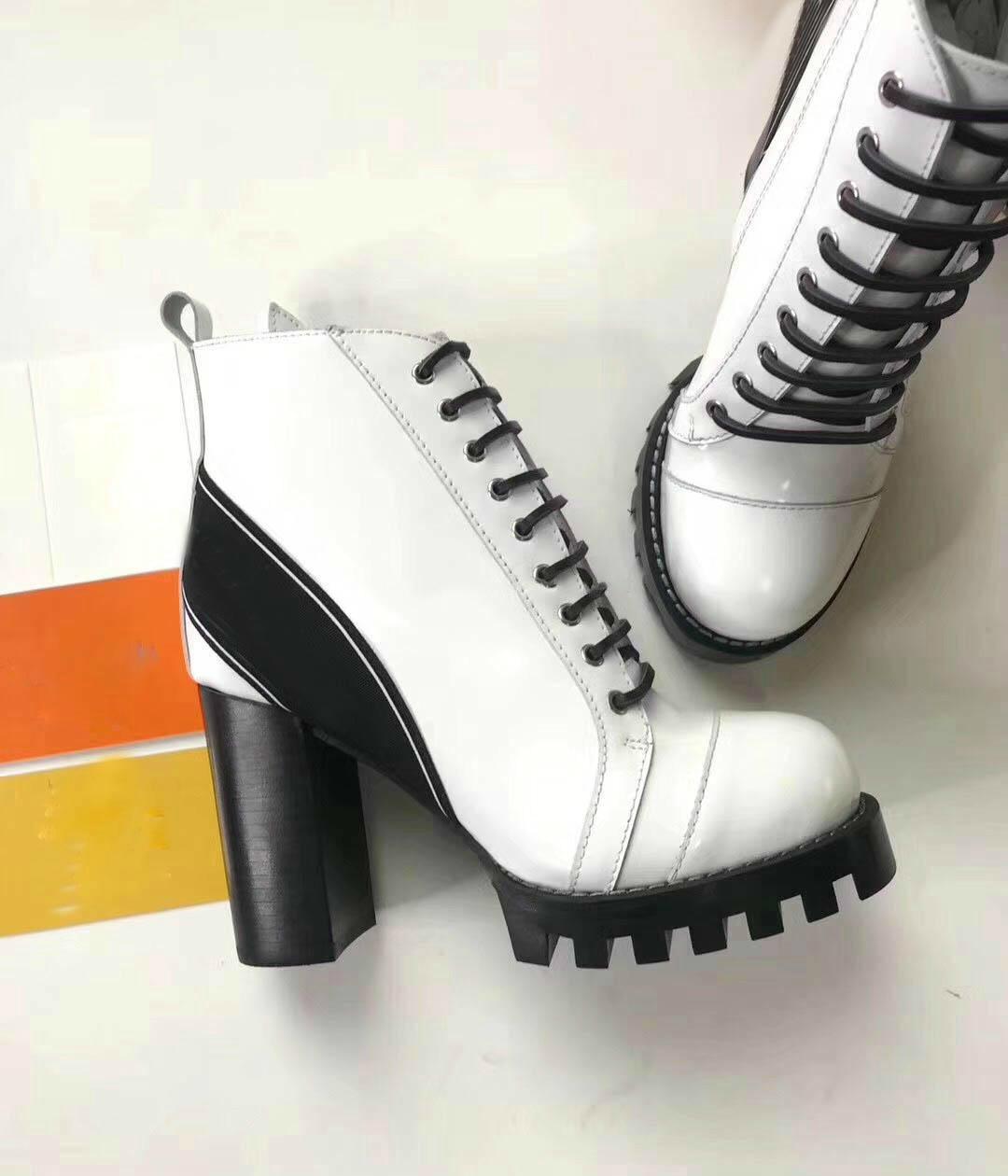 Sconto scarpe in pelle Lace Up Ribbon fibbia della cintura Stivaletti tacco ruvido tondo testa autunno inverno Martin stivali TAGLIA 34-42