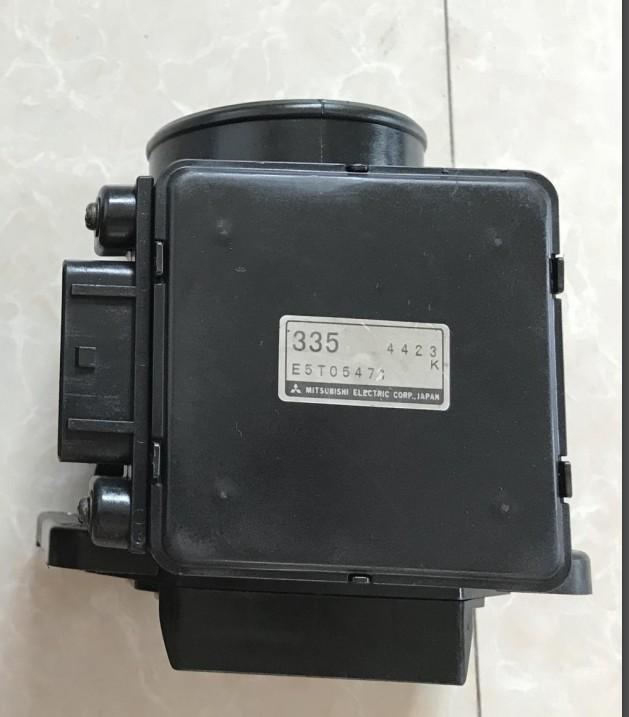 OEM E5T05471 MD172455 MD357335 PW550459 Air Flow Meters Mass Air Flow Sensors for Mitsubishi Galant Lancer Space Wagon