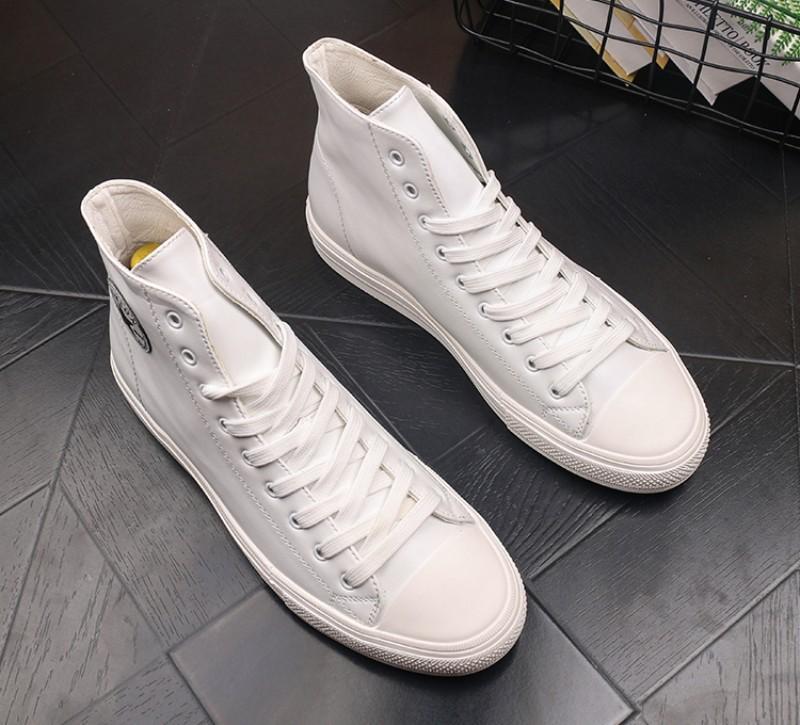 pattini high-top degli uomini comodi triple tendenza piccolo casuali bianco s scarpe di bordo adolescenti burlone di studenti in vera pelle scarpa casuale V24