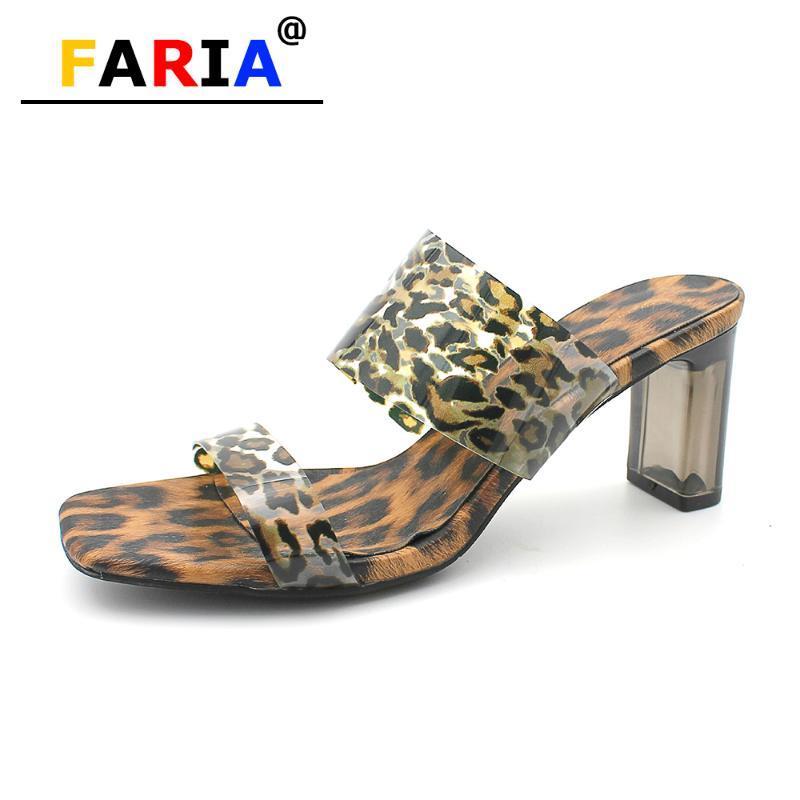 Il nuovo modo della stampa del leopardo 7cm tacco alto chiare pantofole donne open toe tacchi vetro pompa PVC Scarpe estivi sandali sexy lady diapositive