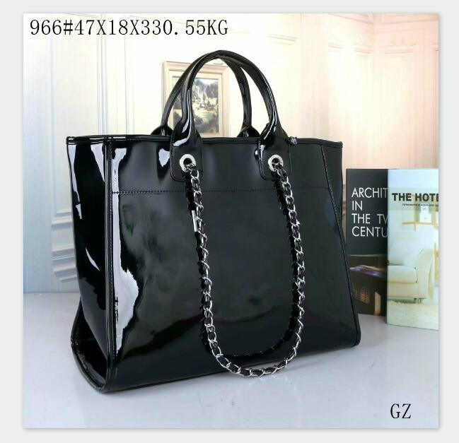 2020 new fashion large-capacity plastic tote bag handbag shoulder bag free delivery HOT Chain bag Beach bags