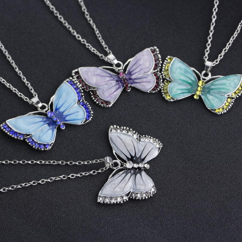 Rastgele mix renk Kelebek kolye kolye fabrika doğrudan renkli Kristal charm kolye kolye kadın kore stil takı toptan