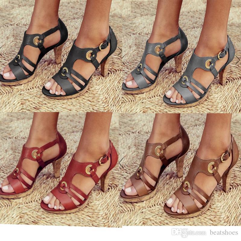 Designer femme talon haut classique sandales noires dames de mode Chaussures avec Boutons en métal de haute qualité Sandales à talon mince partie chaussures de mariage