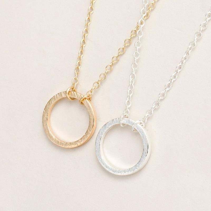 Oly2u nuovo modo Gold Circle rotonda collane del pendente per le donne semplici sveglie eleganti del partito collana di gioielli regalo -N083