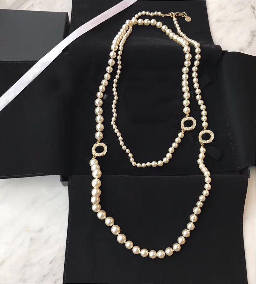 Beliebte Modemarke Perlenkette Pullover Designer Halskette für Frauen-Partei-Hochzeit Luxus-Schmuck für die Braut mit Box