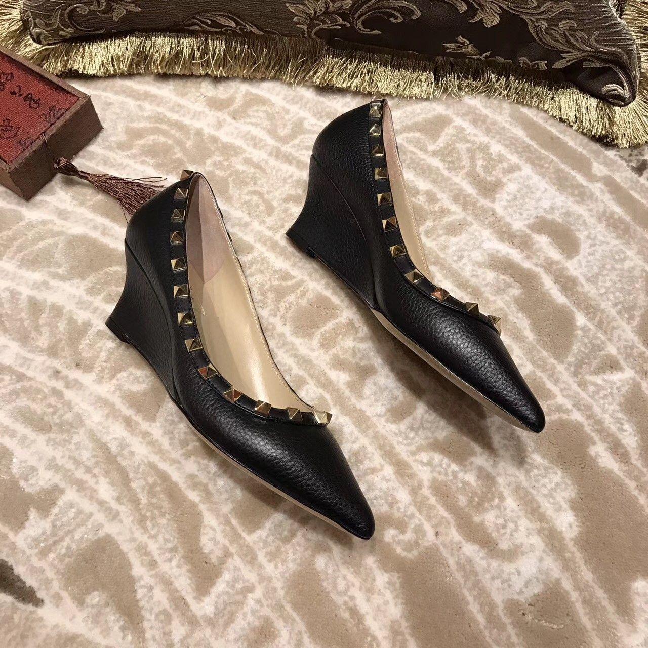 Dami moda 2020 yeni sezon deri Gladyatör perçin ayakkabı yüksek qaulity tasarımcı ayak bileği yamaç topuk ayakkabılar eu35 ~ 40 opsiyonel su geçirmez tahta
