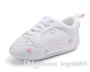Весной и осенью новые спортивные красное сердце пять звезд ребенок обуви ходьба обуви мягкой подошвы небольшой волна обуви белого wl1153