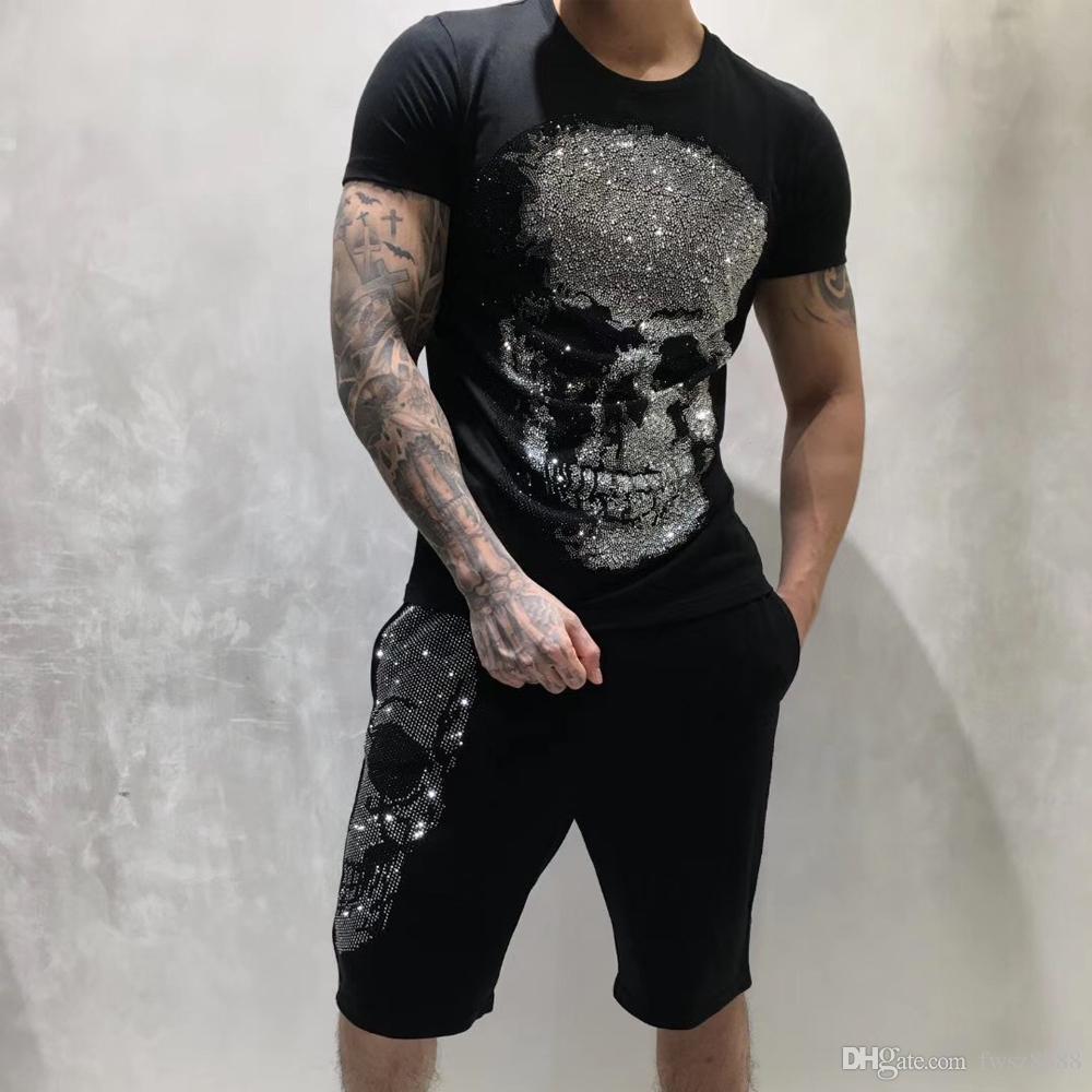 Nuovo PP Mens camicia Designer di lusso della moda di Parigi magliette estate punk del cranio del Rhinestone T-shirt maschio superiore 100% cotone di Hip Hop Tee