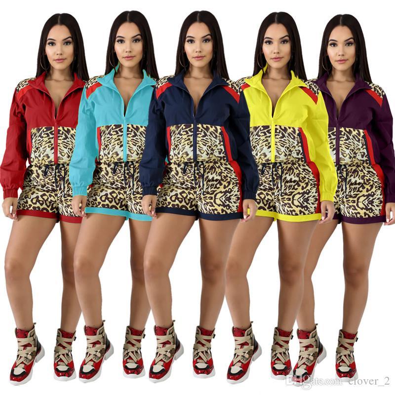 Женщины нарядов кардиган Hoodie женских верхнюю одежды 2 шт набора моды молния вершины спортивного костюм случайных шорты костюм леопард облицован костюм klw2496