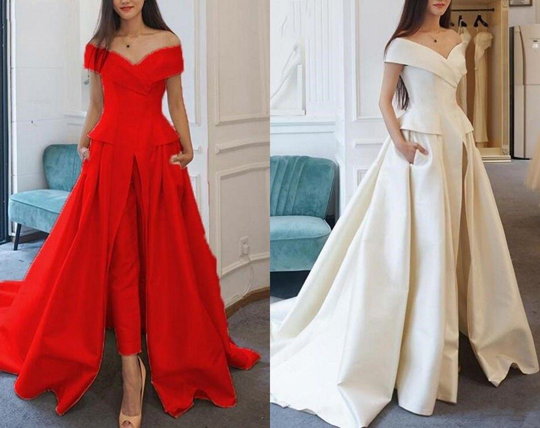 2021 moderne de mariage de mariée Tenues Pantsuits de l'épaule avec manches courtes en satin à volants Rouge Blanc Ivoire Robe de mariée pas cher