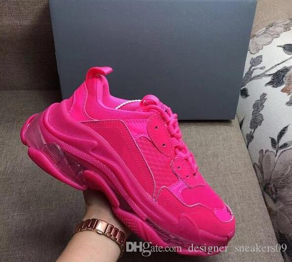 quente da Moda de Paris 17FW Triple-S Sneakers Triple S calçados casuais pai por Mulheres Bege Preto Ceahp Esportes Designer calça as sapatilhas dos homens