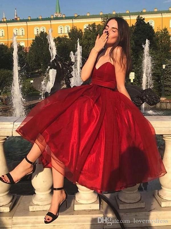 Простой темно-красный чай Длина выпускного вечера коктейльные платья из органзы без бретелек с открытой спиной выпускные вечерние платья выпускного вечера выпускного вечера