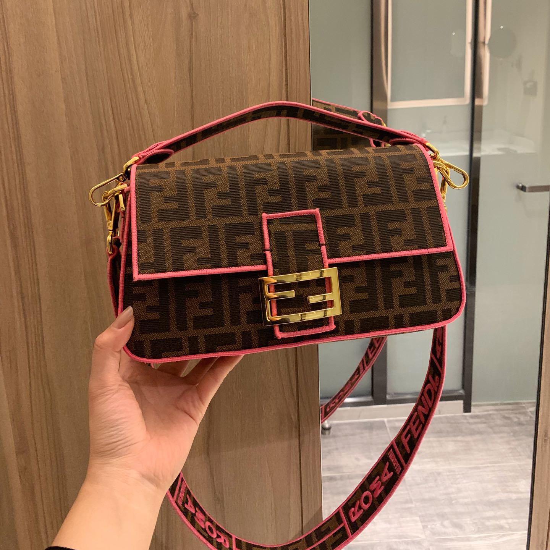 2020 Designer Shoulder Bags Ladies Fashion Luxury Handbags Women Brand Message Bag Fashion Fanny Pack Crossbody Pack B102724K