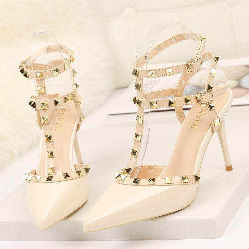 Perçin Yüksek Topuklar Lüks Tasarımcı Kadınlar Ayakkabı Bayanlar Seksi İlkbahar Yaz 2019 Moda Sandalet Ofis Elbise Beyaz Siyah Ayakkabı CJ191219 pompaları