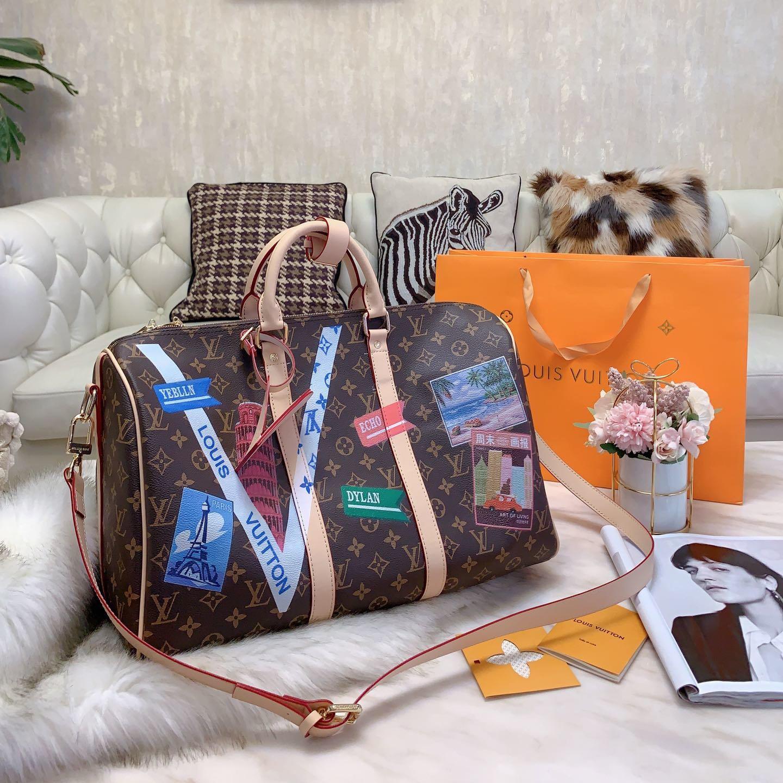 2020 Designer mochilas Homens Mulheres ao ar livre ombro Luxo Sacos de Grande Capacidade Travel Pack Mens Marca Designer Bolsas VC B102696K