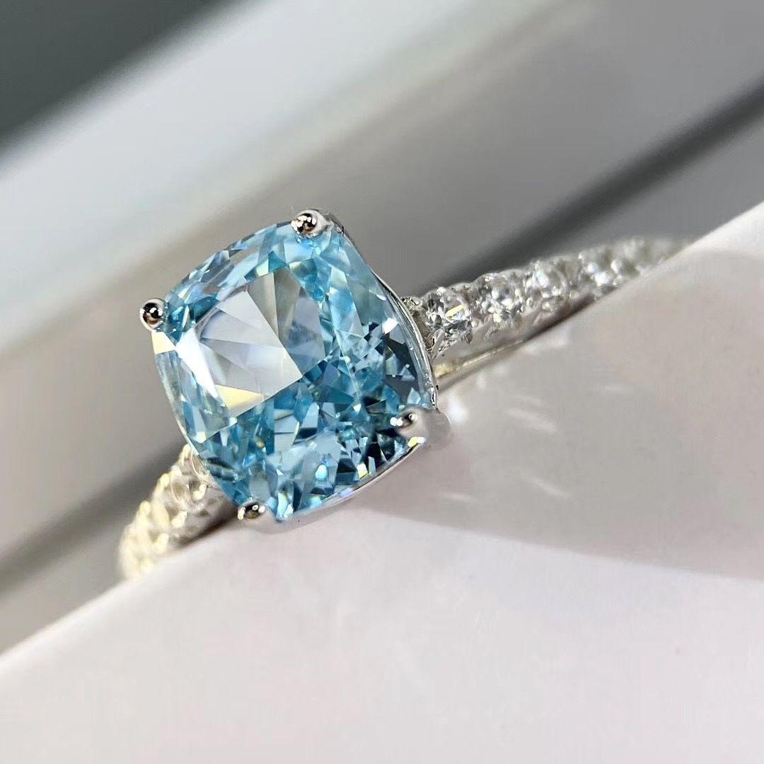 S925 Серебро роскошный Ново-синий размер 1.5oct большой квадратный бриллиант украшает очарование кольцо ювелирные изделия Рождество день ювелирные изделия свободная перевозка груза P