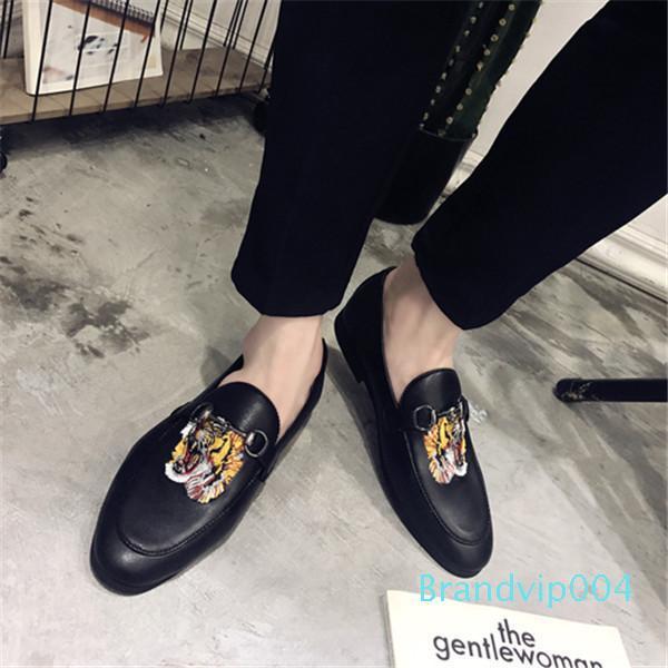 La venta caliente-oe Zapatos zapatos sin cordones de conducción de los holgazanes del ante de la cabeza del tigre Nueva perezoso de calzado casual AK039 zapato plano animal de la manera del verano de lujo
