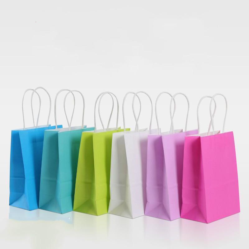 Regalo di carta insacca 24pcs assortiti Piccolo neon colorati con maniglie Kraft Paper Bags partito festa nuziale di favore Goodie Bag