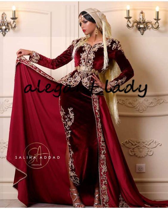 Karakou Moderne Borgonha Velvet Prom vestidos formais com vestidos de desgaste Overskirt Gold Lace Applique manga comprida Árabe noite