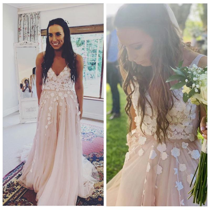 Stunning Tulle Blush Wedding Dress 2020 A-Line Deep V-Neck Lace Appliques Bridal Dresses with Plunging Back vestidos de novia