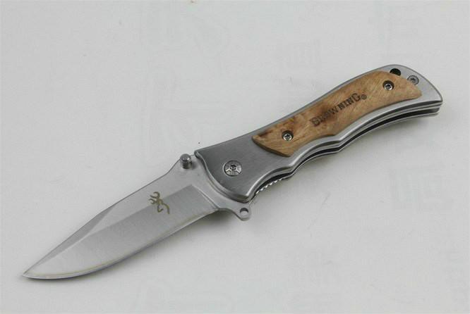 Browning 339 Petite taille de chasse Couteau de poche 440 Lame + acier avec manche en bois Couteau utilitaire cadeau de Noël pour Adker 1pcs homme freeshipping