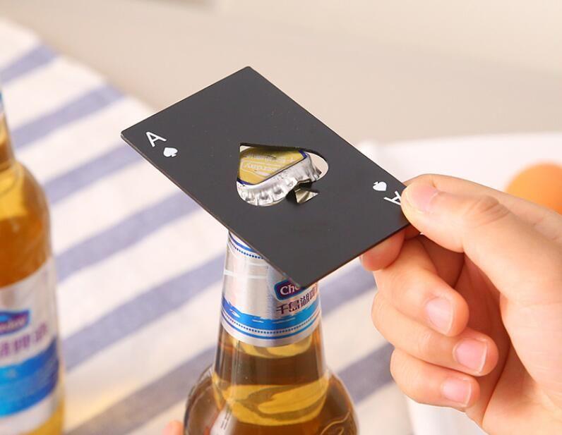 Novo e Elegante Preto Prata Abridor De Garrafa De Cerveja Pôquer Cartão De Jogo Ás de Espadas Bar Ferramenta Refrigerante Cap Abridor Presente Cozinha Gadgets Ferramentas