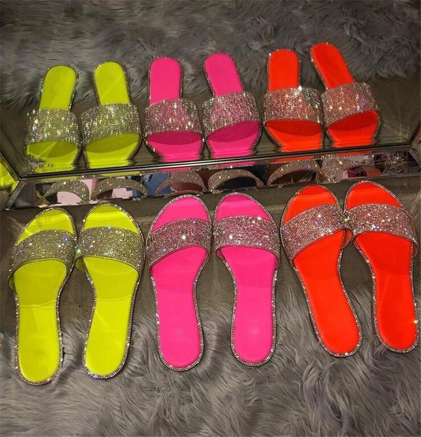 Sandales d'été Femmes 2020 Chaussures Femme Sandales plates Mode Chaussures de plage Sandales femme de neuf PH-CFY20050913