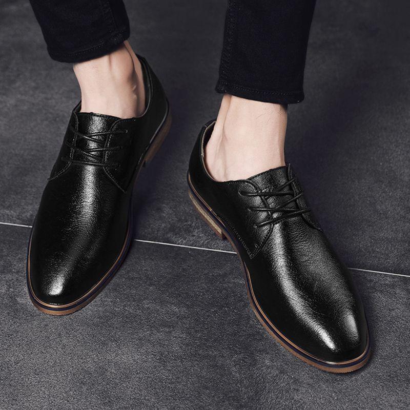 2020 New estilo casual dos homens de couro sapatos de amarrar Negócios Sneakers Decoração New microfibra Couro Homens Calçado *