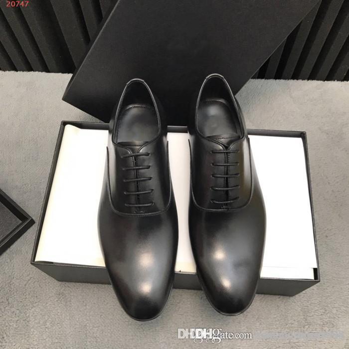Sapatos de casamento de negócios para homens Sapatos de couro dos homens de estilo vintage Oxford masculino Lace-up tendência Sapatos de couro preto