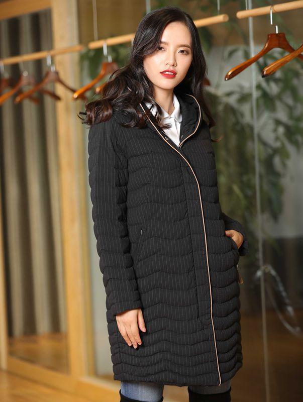 Duck Down Jacket Frauen-Winter-2019 Oberbekleidung Mäntel weibliche lang beiläufige Licht extrem warme dünne Taillen-Jacke