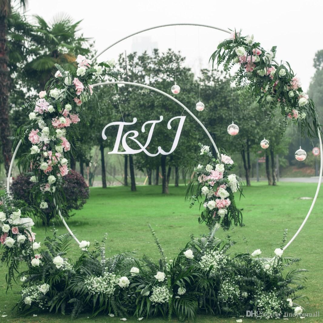 5 Tailles Partie De Mariage Props Décor En Fer Forgé Anneau Anneau Toile de Fond Ronde Arche Pelouse En Soie Fleur Artificielle Rangée Étagère Murale