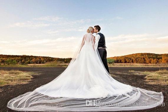 Yeni Yüksek Kaliteli Gerçek Görüntü Tek Katman Düğün Veil Katedrali Boyu Kesme Kenar Beyaz Kırmızı Fildişi Meidingqianna Marka Alaşım Tarak