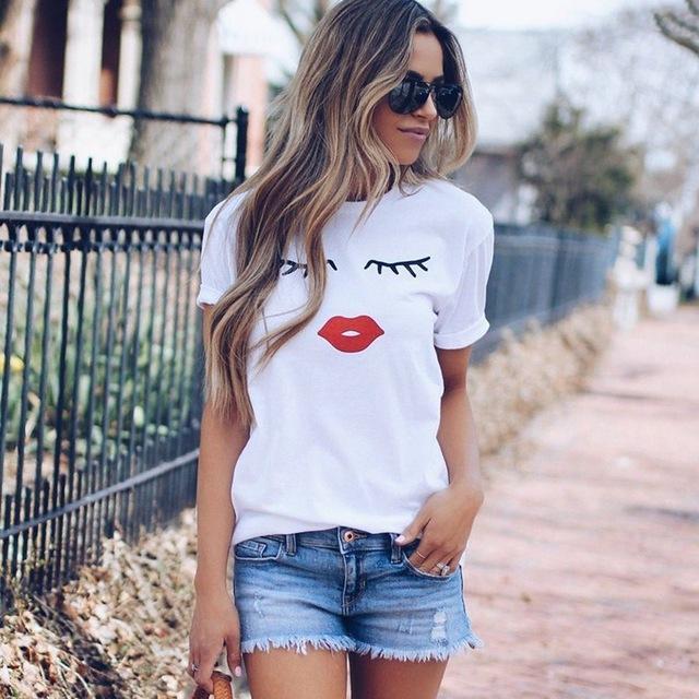 Bonito y lindo Eye Lashes Labios rojos Imprimir camiseta de mujer Camiseta de manga corta con cuello en O Casual de verano Camiseta para mujer Camiseta blanca Tops